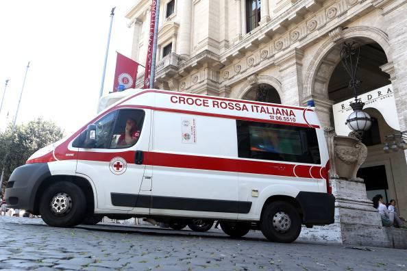 Tragedia a Firenze: fa manovra con l'auto e uccide la madre