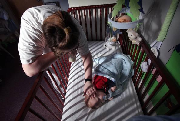 Bimba morta malnutrita, aveva cranio schiacciato