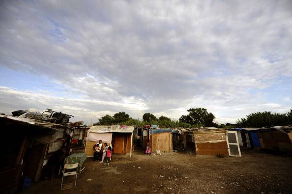 Foto vicino a campo rom, aggredito consigliere regionale