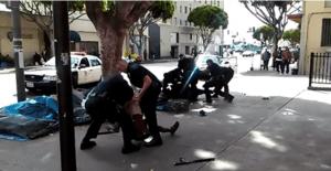 Polizia Usa uccide clochard