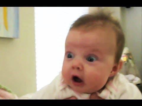 Bimbi terrorizzati dalle loro puzzette –VIDEO