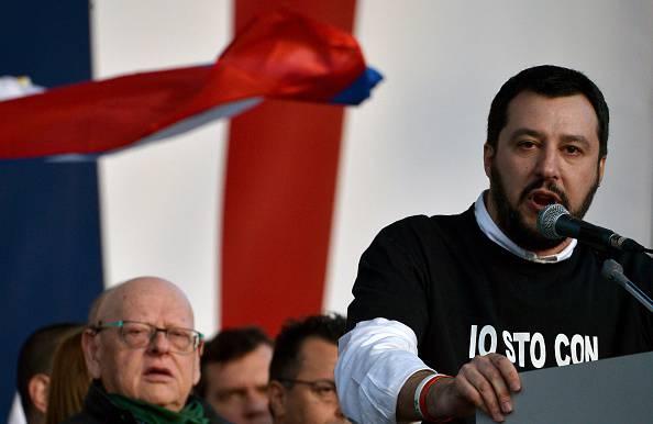 Lecce: Salvini denunciato per apologia di fascismo