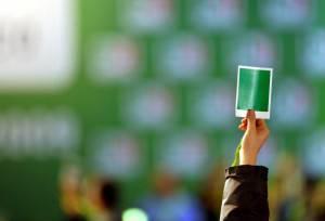 Un'assemblea del Pd (ANDREAS SOLARO/AFP/Getty Images)