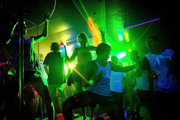 Serata di musica elettronica (Agung Parameswara/Getty Images)