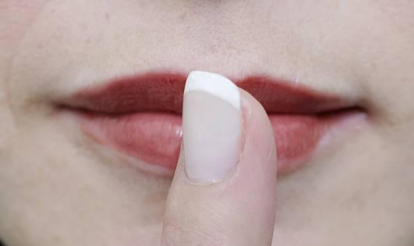Se ti mangi le unghie vuol dire che…