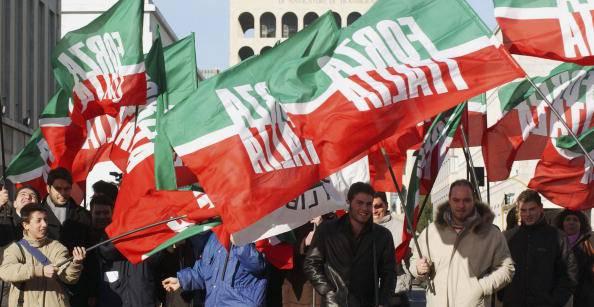 Forza italia se vinciamo in quattro regioni renzi a casa for Forza italia deputati