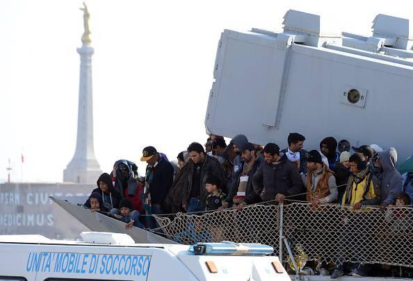 Sbarchi di migranti (GIOVANNI ISOLINO/AFP/Getty Images)
