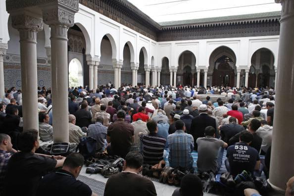 Francia: vogliono raddoppiare il numero delle moschee
