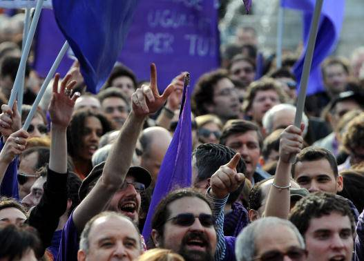 Proteste contro parlamentari indagati (TIZIANA FABI/AFP/Getty Images)