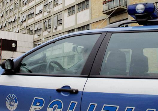 Torino, detenuto sgozza  fidanzatata permesso