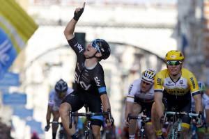 Elia Viviani (Photo credit should read LUK BENIES/AFP/Getty Images)