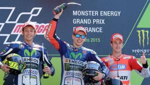 Il podio del Gp di Le Mans (Photo credit should read JEAN-FRANCOIS MONIER/AFP/Getty Images)