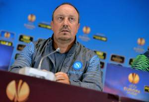 SSC Napoli's head coach Rafael Benitez gives a press conference in Kiev on May 13, 2015, on the eve of the UEFA Europa League semi-final second leg football match between FC Dnipro Dnipropetrovsk and SSC Napoli. AFP PHOTO / GENYA SAVILOV        (Photo credit should read GENYA SAVILOV/AFP/Getty Images)