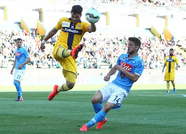 Napoli ennesimo flop: 2-2 a Parma, addio Champions
