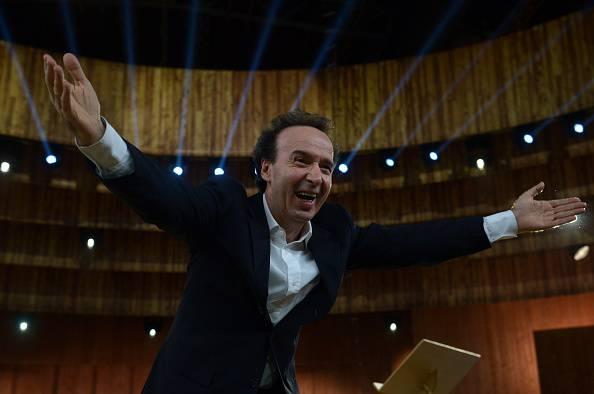Un sorpasso azzardato costa caro a Roberto Benigni