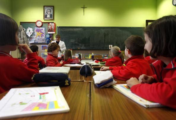 """""""Classe pollaio"""", un ragazzino allontanato dalla scuola"""