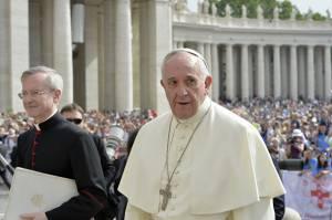 Papa vaticano Prete pedofilo