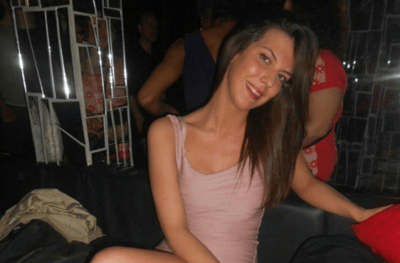 Laura 23 anni morta Reggio Emilia: un infarto mentre serviva le pizze