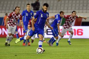 Il rigore di Antonio Candreva (Photo credit should read ANDREJ ISAKOVIC/AFP/Getty Images)