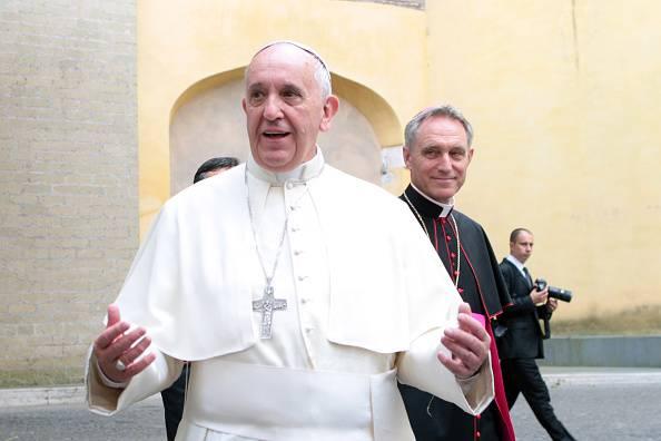 "Papa Francesco contro Mafia Capitale: ""Roma deve rinascere"""