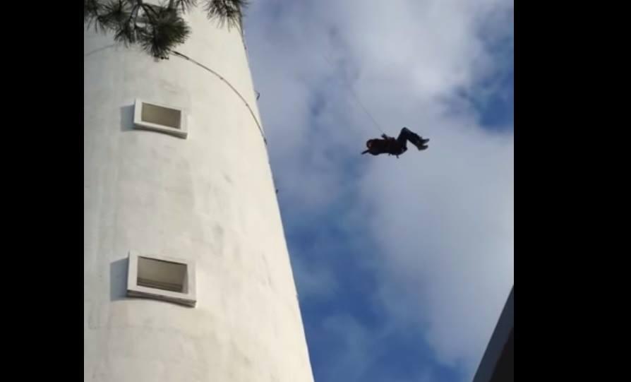 Tragedia in diretta tv: dodicenne si schianta dal faro – VIDEO