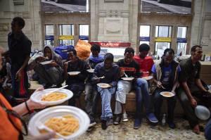 Migranti Milano italia