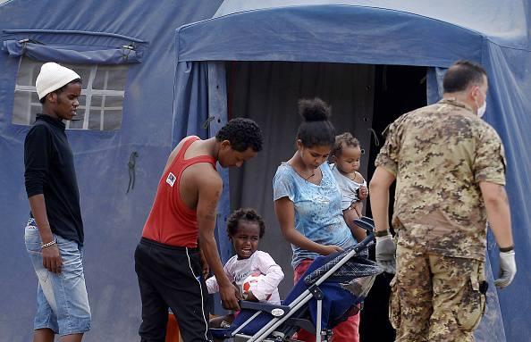 Giallo al centro di accoglienza, migrante trovato morto