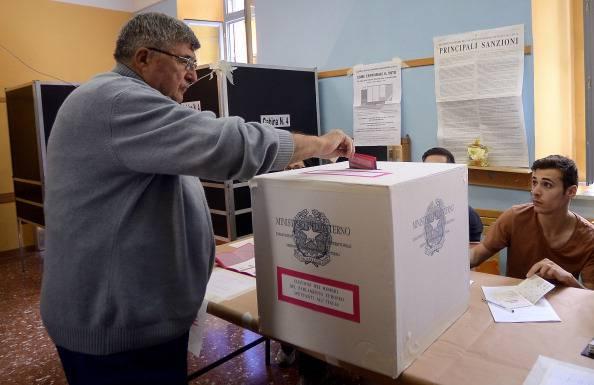 Comunali: Venezia al ballottaggio, in Sicilia bene asse Pd-Udc