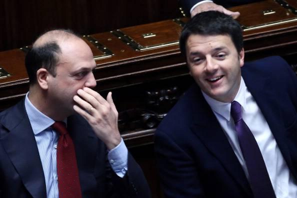 Migranti, Renzi darà più soldi e poteri ai sindaci