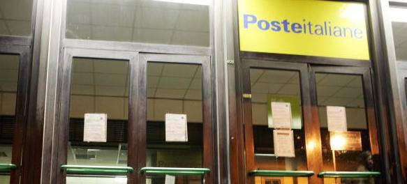 Dipendenti delle poste truffavano correntisti: 650mila euro sottratti