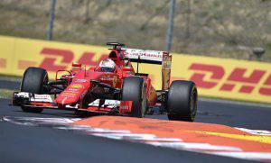 Vettel       (Photo credit should read ANDREJ ISAKOVIC/AFP/Getty Images)