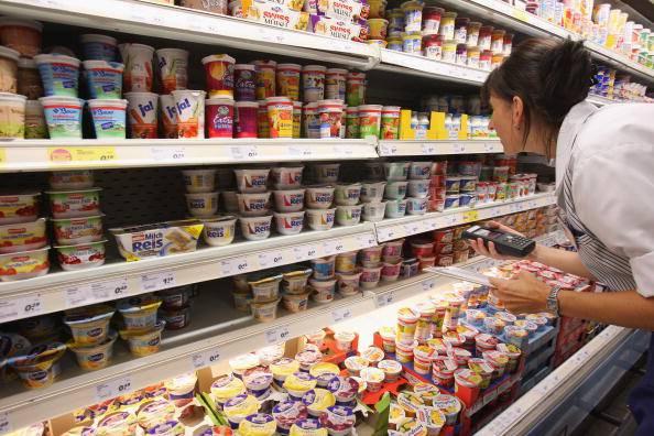Controllo qualità in un supermercato (Sean Gallup/Getty Images)
