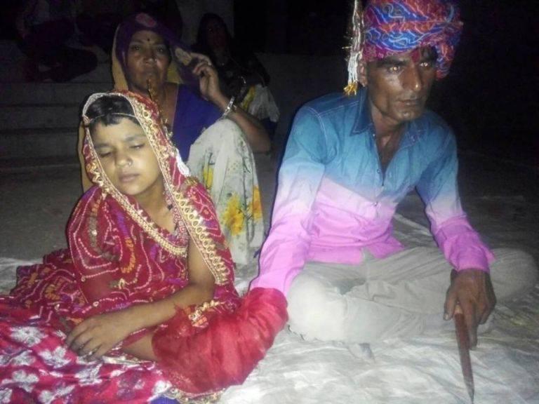 35 anni lui, 6 lei: le immagini del matrimonio