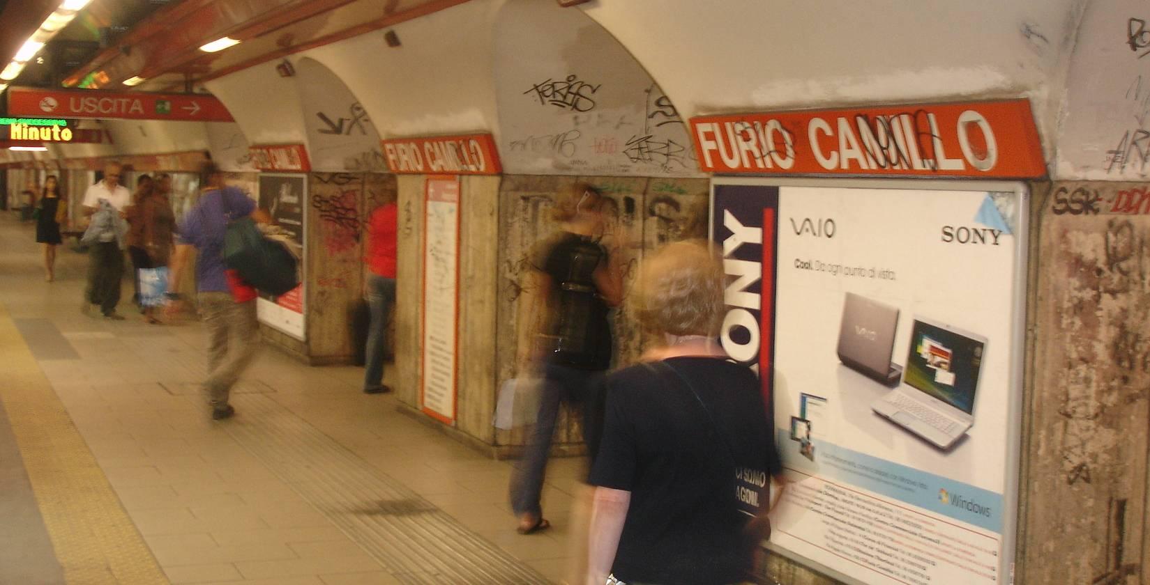 Roma, muore bimbo di 4 anni caduto nell'ascensore della metro
