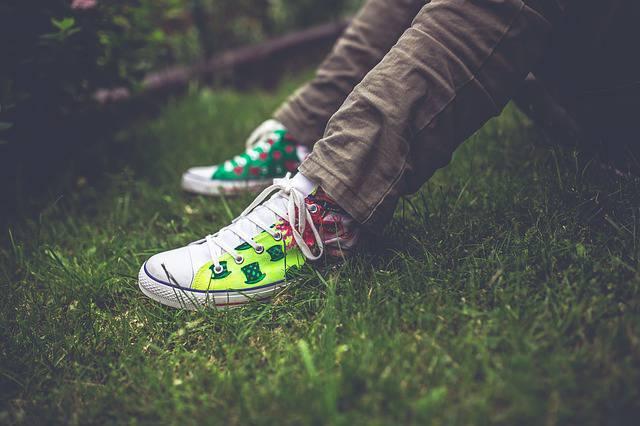 Hi-Tech, arrivano le scarpe che cambiano colore con un App