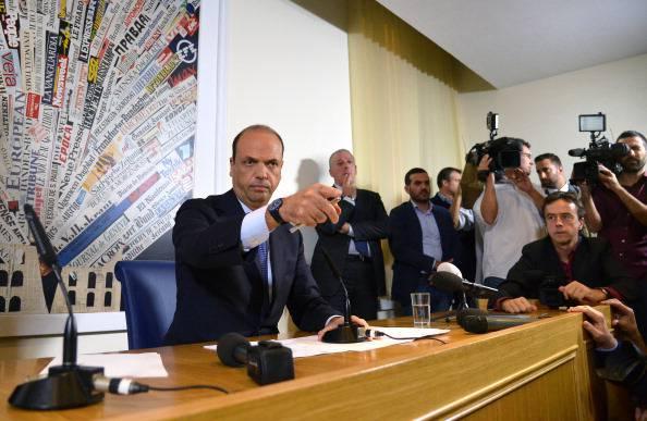 """Alfano avverte Marino: """"Roma va risanata, collabori"""""""
