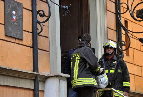 Vigili del fuoco in azione (ANDREAS SOLARO/AFP/Getty Images)