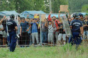 Polizia ungherese spray