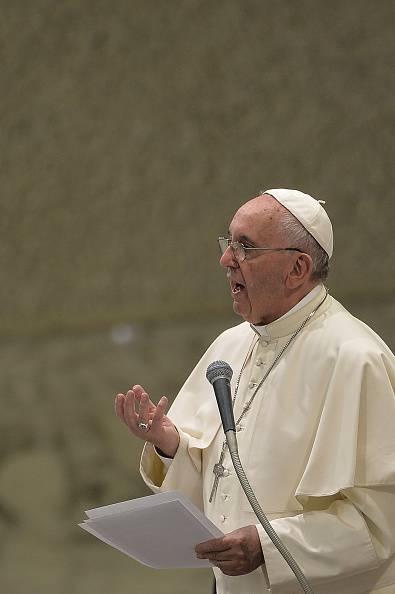 """Papa Francesco """"Il capitale non comandi sugli uomini"""""""