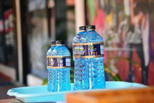 Bottiglia acqua generica (Pixabay)
