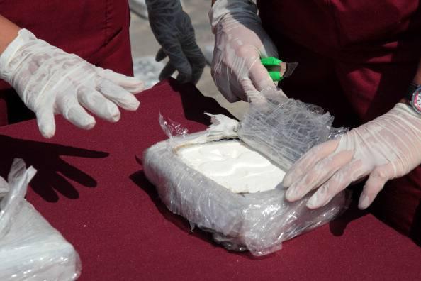 Festini a base di droga a Ischia, giovani in manette