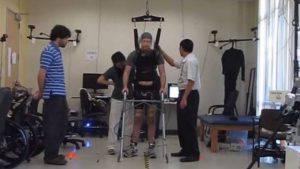 Paraplegico da 5 anni torna a muovere le gambe (Video)