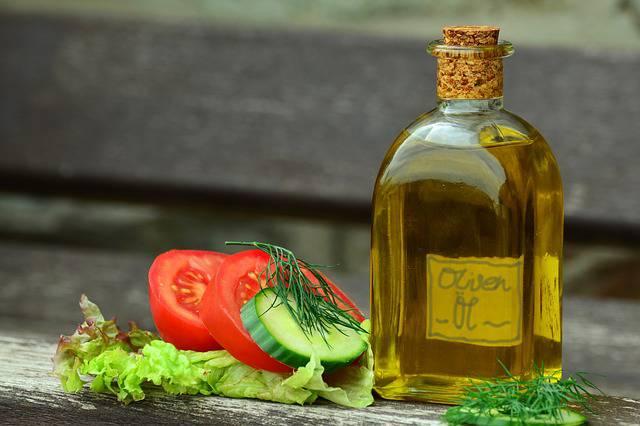 Olio d'oliva e noci per prevenire il tumore al seno