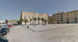 Piazza a Trani (foto dal web)