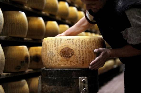 Forme di Parmigiano Reggiano (FILIPPO MONTEFORTE/AFP/Getty Images)