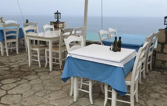 Tovaglie di un ristorante (Pixabay)