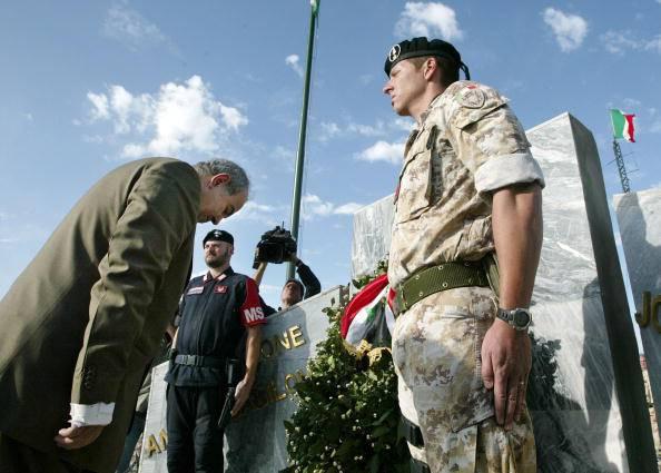 Omaggio ai caduti di Nassiriya (Ceerwan Aziz-Pool/Getty Images)