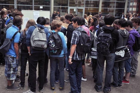 Ragazzi fuori da una scuola (FRANK PERRY/AFP/GettyImages)