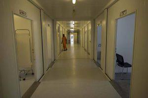 Derubava i malati in ospedale per pagarsi il mutuo