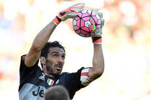 Gianluigi Buffon (Photo credit should read ALBERTO PIZZOLI/AFP/Getty Images)
